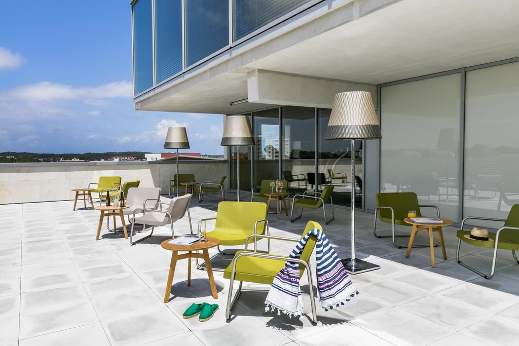 okko hotels bayonne centre. Black Bedroom Furniture Sets. Home Design Ideas